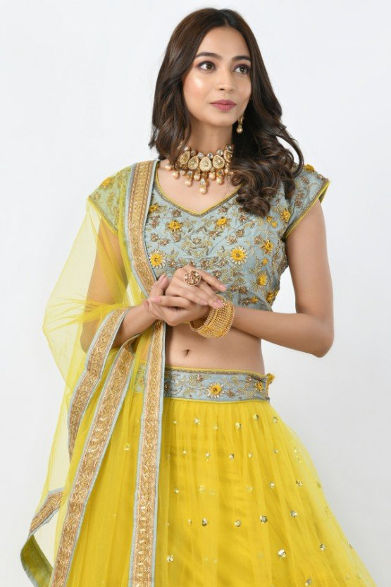 d66f305b04 Buy all new beautiful collections of designer bridal lehenga from the famous  online store Rangoli. Bridal lehenga is one of the popular bridal wears ...